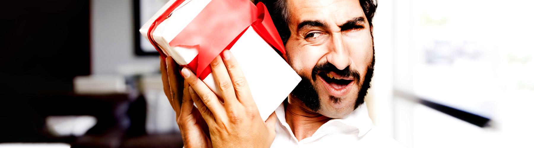 Los 9 regalos corporativos para reír o llorar que los empleados recibieron